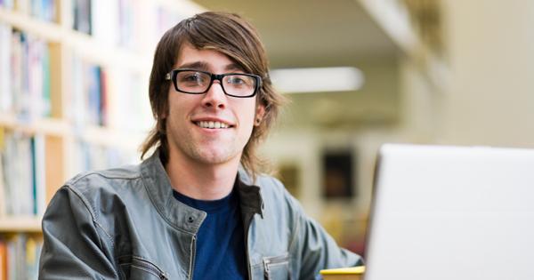 online-student-glasses_600x315